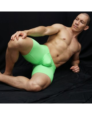 Bulge Runner short green, enhancing butt and bulge front view