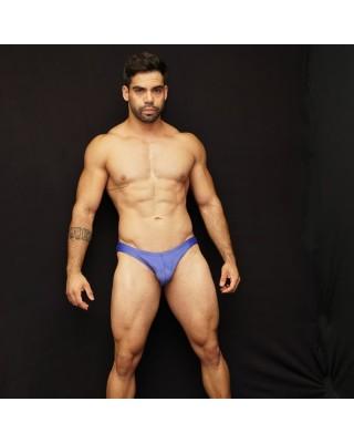 sunga de baño para natacion color azul suave, vista de frente