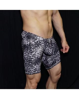 Enhancer bulge and butt short, front view