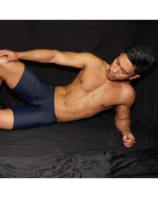 calzas cortas para futbol hombre azul marino vista de frente acostado.
