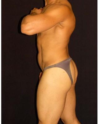 bikini hombre trasero descubierto