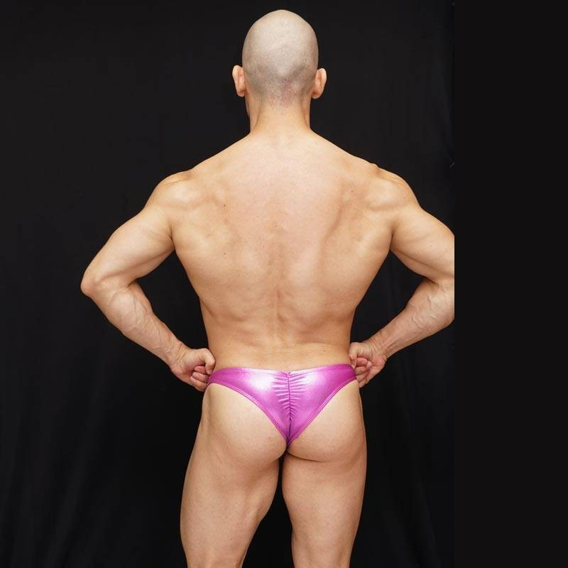 Bodybuilding posing trunk with a rear vertical elastic to enhance buttocks