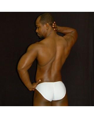 Enhancing the men buttock and bulge in this bikini